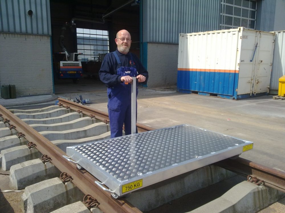 Geremde aluminium lorrie