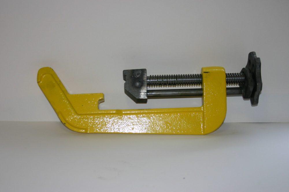 Wisselklem of wisseltongklem ten behoeve van het fixeren van de wisseltong
